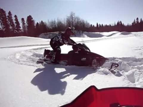 Yamaha Apex xtx in the powder