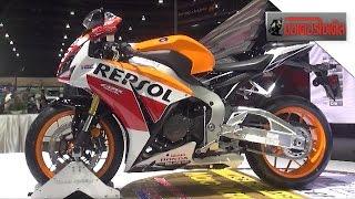 10. CBR1000RR Champion Special 2015  660,000 บาท ถล่มทุ�ค่าย