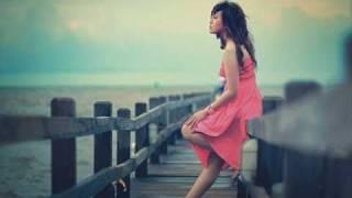 Foreigner - Waiting for a Girl Like You [Lyrics]