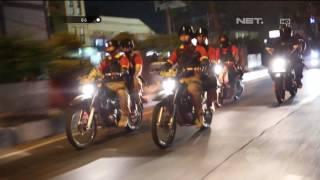 Video Gotong Royong Warga Bantu Pengendara yang Menabrak Pembatas Jalan - 86 MP3, 3GP, MP4, WEBM, AVI, FLV Juni 2018