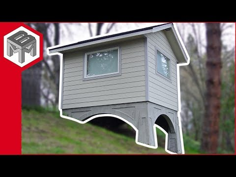 Hillside Office - Tiny House with Art Deco Inspired Concrete Foundation (видео)