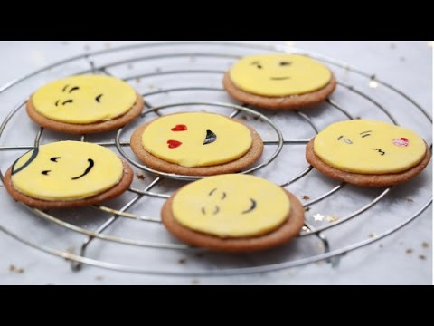 How to make Gingerbread Emoji Faces, making gingerbread,gingerbread man recipe for kids, Emoji Faces