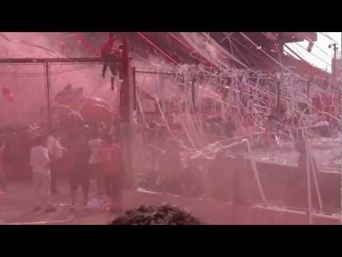 Independiente Vs Racing 2012 Impresionante salida a la cancha del Rojo - La Barra del Rojo - Independiente