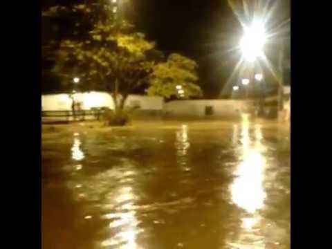 Chuva em Lajedinho-BA,  Março de 2004