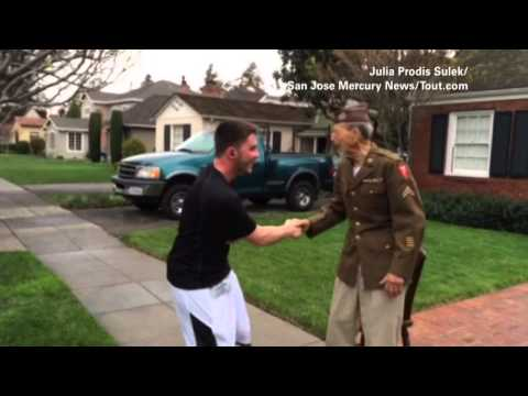 Runners stop to shake hands with WWII vet!