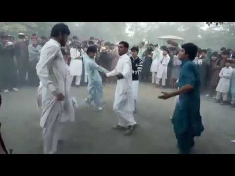 Video Beautiful Mast Alakan In Bannu HD || new dance || pashto dance||Pashto Best Dance Mingoa Swat download in MP3, 3GP, MP4, WEBM, AVI, FLV January 2017
