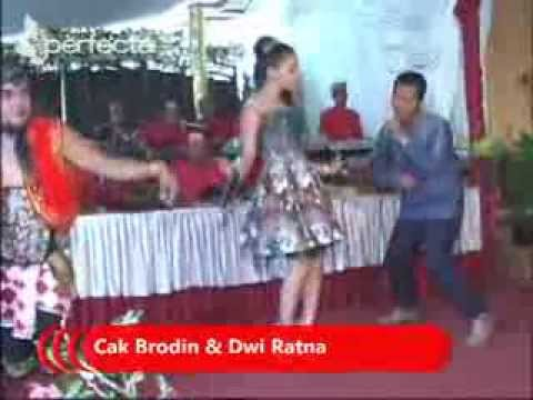 Video Kandas - Dwi Ratna Feat Cak Brodin download in MP3, 3GP, MP4, WEBM, AVI, FLV February 2017