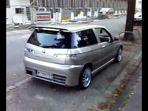 Besichtigung eines Alfa Romeo 145 QV - Dieser Tuner hat eine menge Sachen an seinem Alfa Romeo Nachgerüstet. Ein Navigations System, Radio/ CD/ MP3 Player, 6 facher CD...