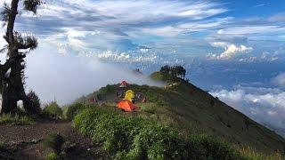 Download Video Hiking Mount Rinjani, Indonesia in 4K (Ultra HD) MP3 3GP MP4
