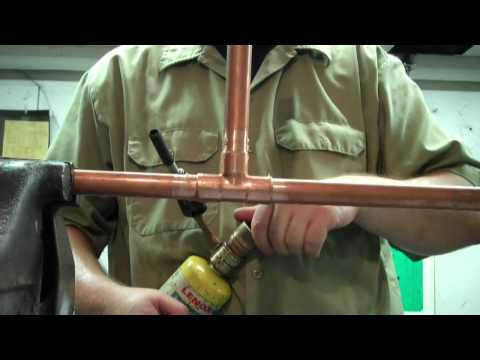 How to solder - How to Solder Copper Pipes.