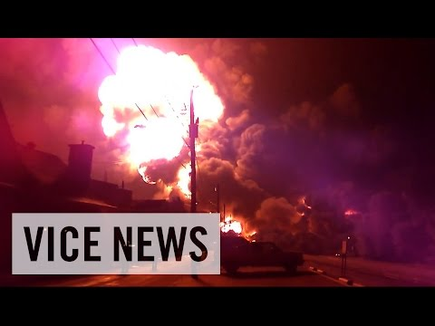 bomb - Subscribe to VICE News here: http://bit.ly/Subscribe-to-VICE-News It's estimated that 9 million barrels of crude oil are moving over the rail lines of North America at any given moment....