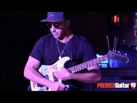 Rig Rundown - Tom Morello