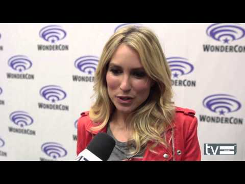 Sarah Carter - Falling Skies Season 4 Interview