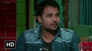 Gurleen's family meets with Rajveer an aspiring photographer. The family is astonished to hear about Rajveer & greet him with happily. Film – Saadi Love Stor...