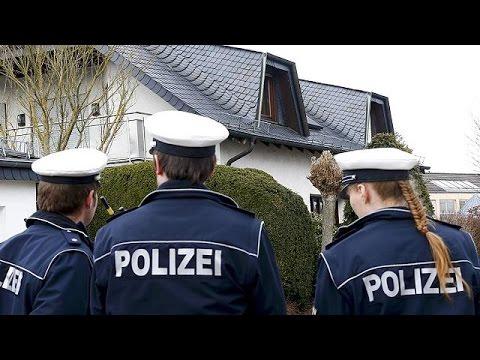 Investigators probe Germanwings co-pilot Andreas Lubitz's background