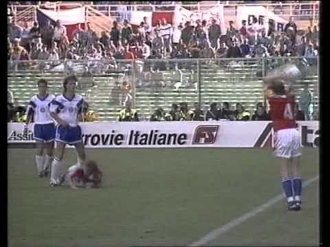 Czechoslovakia - Group A match from the 1990 World Cup To continue our work on editing & uploading classic matches, go to my Channel https://www.youtube.com/user/gr8footy & click on the paypal link to donate...