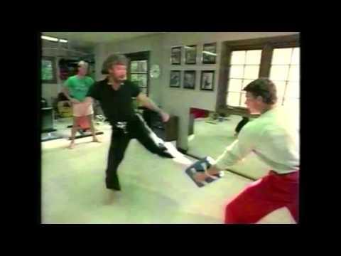 van-damme-i-chuck-norris-walcza-razem-na-treningu