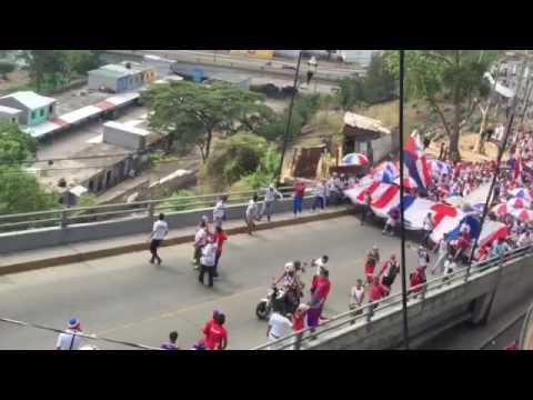 Llegada de la Ultra Fiel, final Olimpia vs Real Sociedad 2016 - La Ultra Fiel - Club Deportivo Olimpia