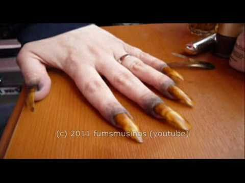 claws - Special effects make up tutorial showing how to create werewolf claws. Requested by Xtremewebsites www.fumsfxmakeup.blogspot.com.