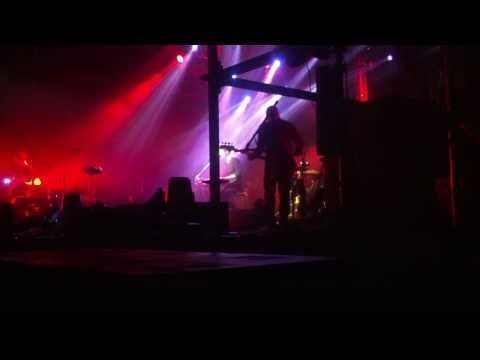 Земфира - Аривидерчи (Волгоград, 09.10.13) (видео)