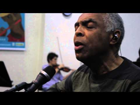 "Gilberto Gil e Orquestra interpretam ""Domingo no parque"""
