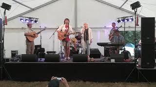 Video Nebe na Zemi - Hospoda (naživo, festival Lodenica 2018)