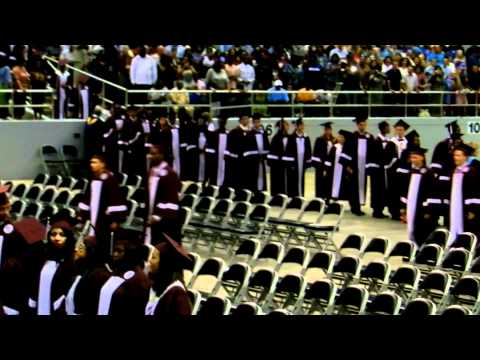 Killeen High School Class of 2012 Entering the Bell County Expo Center for Graduation