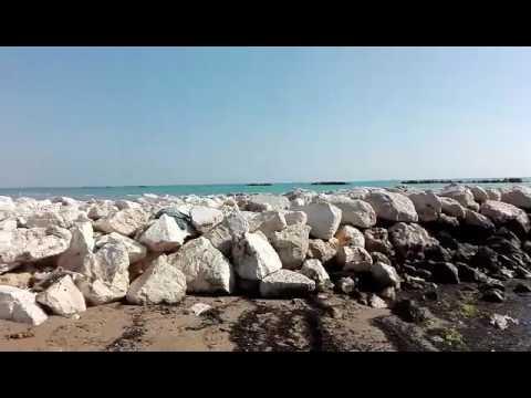 """Cologna Spiaggia, argilla al posto della sabbia. De Vincentiis: """"Vergognoso"""". Tacchetti: """"E' tutto ok"""" (VIDEO)"""
