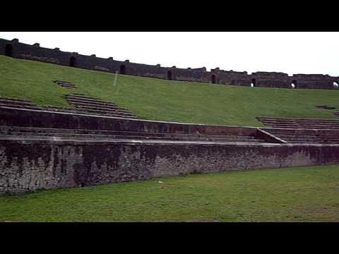 archeologia - l'anfiteatro di pompei