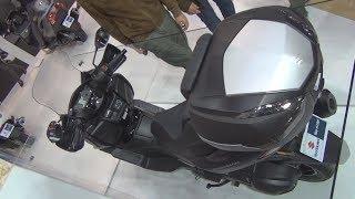 2. Suzuki Burgman 400 ABS (2019) Exterior and Interior