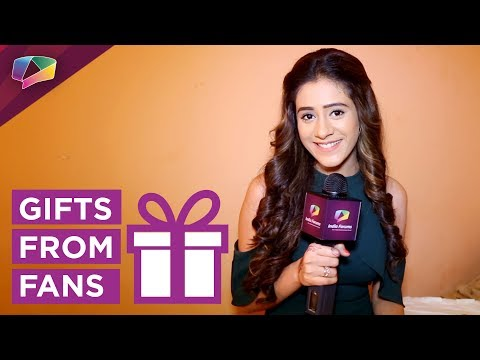 Hiba Nawab Receives Gifts From Her Fans |
