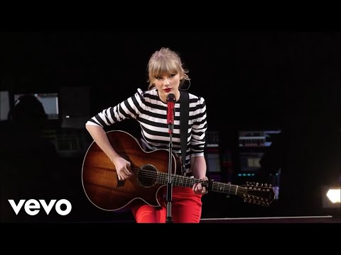[Full] Taylor Swift - Sparks Fly (The RED Tour Live)