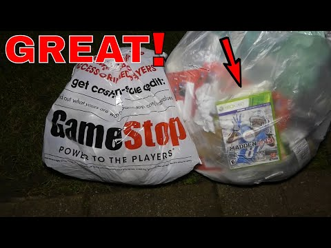 REALLY GREAT!! Gamestop Dumpster Dive Night #352 (видео)