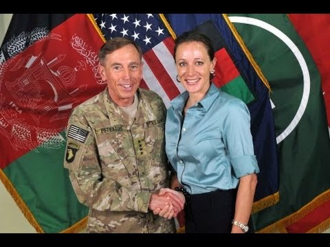 David Petraeus Revealed: Sex the Least of His Scandals (with Michael Hastings) (видео)