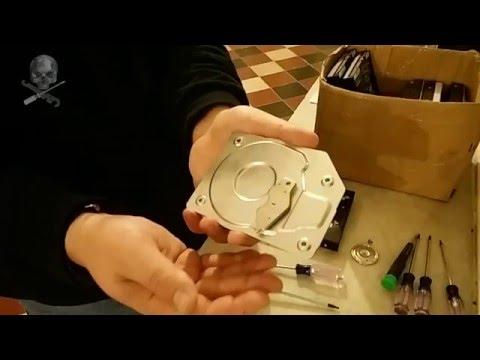 Smontare un hard disk per riciclare il motore e lo chassis