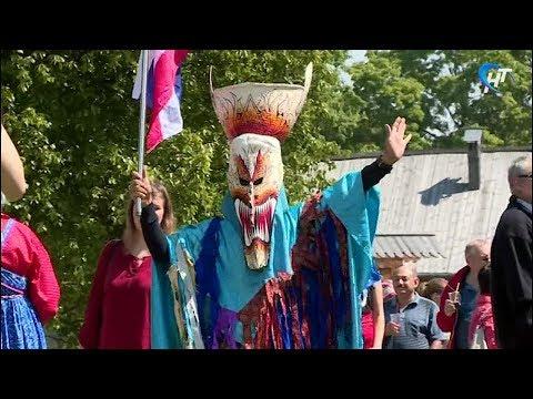 В «Витославлицах» прошел областной летний праздник фольклора и ремесел