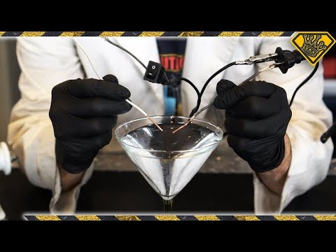 What Happens When You Mix Electricity With Distilled and Tap
