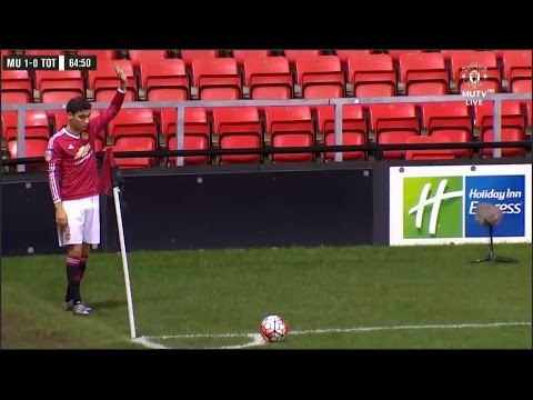 Brazilian youngster Andreas Pereira scores direct from a corner kick - Manchester United 4\1\2016