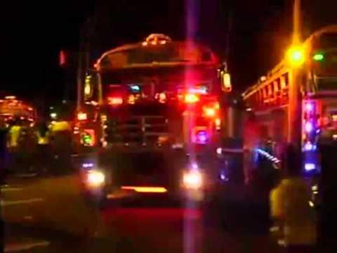 Los Mejores Buses(camiones)Modificados Del Mundo 2011