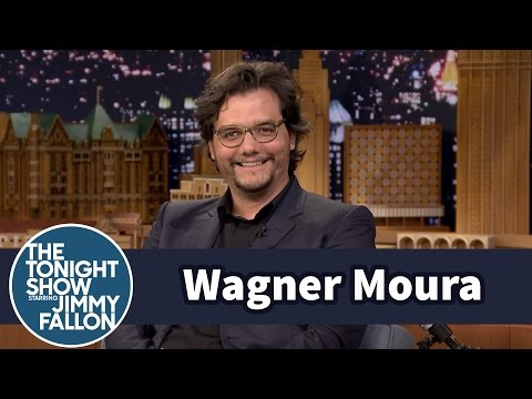 Wagner Moura Went Back to College to Learn Spanish for Narcos (видео)