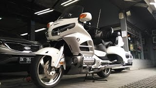 10. Review Honda Gold Wing