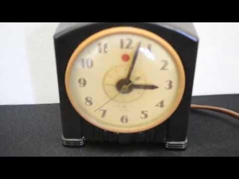 VINTAGE GENERAL ELECTRIC BAKELITE ALARM CLOCK
