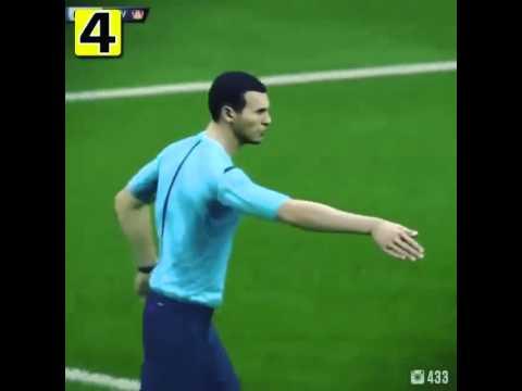 Vấp chân vào thủ môn ngã, được hưởng penalty