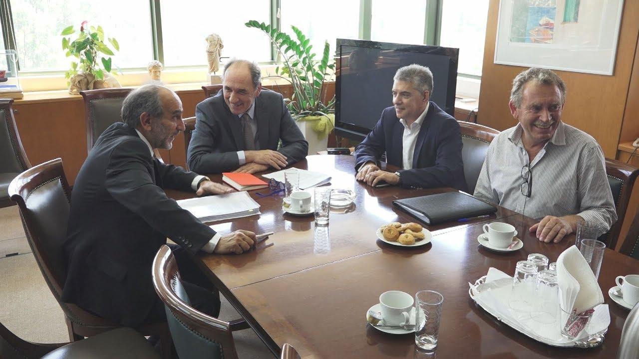 Συνάντηση Γ Σταθάκη με προεδρείο ΕΝΠΕ και Περιφερειάρχες
