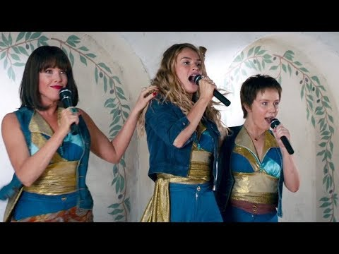 LILY JAMES Sings 'Mamma Mia' In MAMMA MIA! 2 CLIP + Trailer