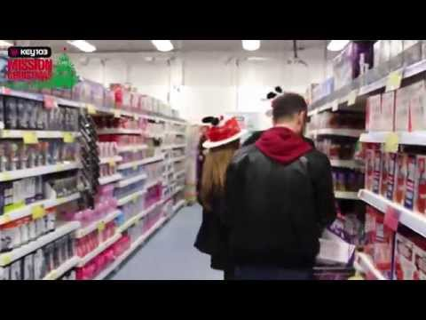 B&M Stockport Edgeley Hosts a Trolley Dash Fundraising Event (видео)