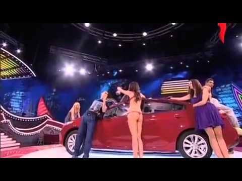 這男子在電視節目中忍不住女子的挑釁和侮辱,他最後竟然在鏡頭中這樣做!