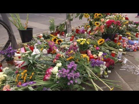 Verkehrsunfall in Berlin: Vier Menschen von Porsche e ...