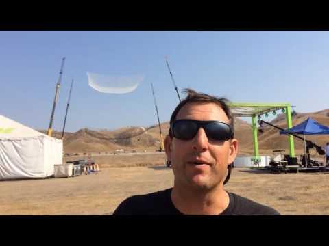 Amerikanac se priprema za skok iz aviona bez padobrana