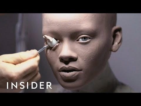 Artist Makes Hyperrealistic Sculptures Of Celebrities